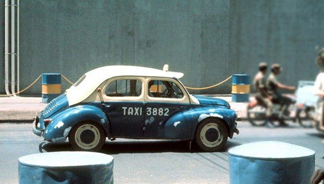 """Độc đáo taxi """"con cóc"""" những năm 60 – 70 tại Sài Gòn"""