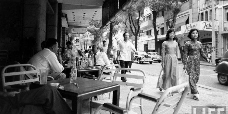 """Những quán cafe """"huyền thoại"""" của Sài Gòn trước 1975"""
